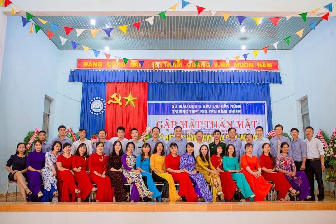 Gặp mặt thân mật kỷ niệm ngày nhà giáo Việt Nam 20-11-2020
